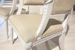 Magnifika handgjorda baljfåtöljer med enastående dekor.
